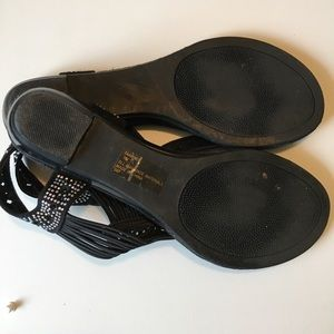 Madden Girl Shoes - Madden Girl Taahnee Thong Sandals